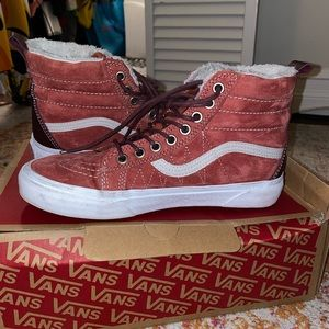 Sk8-Hi Mte Hot Sauce/Port Roya women's size 7